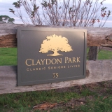 Signtext-Claydon Park